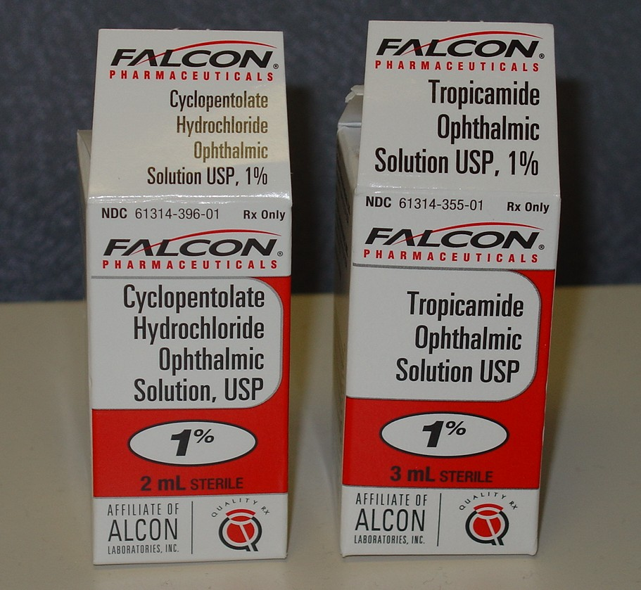 Figure 5. Two Ophthalmic Products of the Same Pharmacologic Class with Similar Packaging and Color Scheme